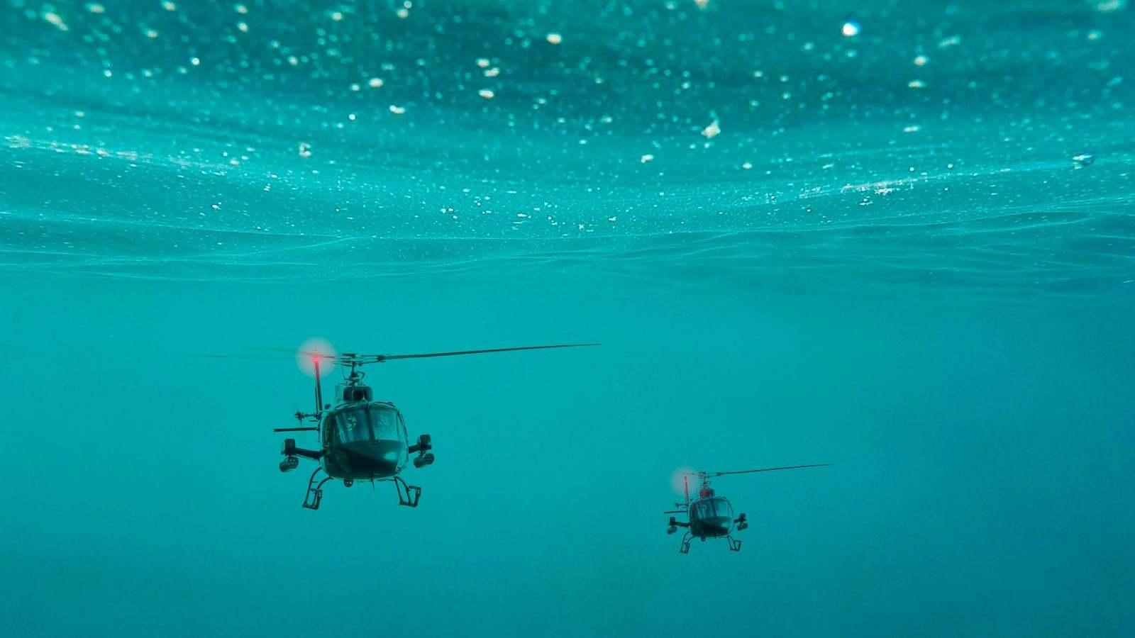 helikopterek a víz alatt
