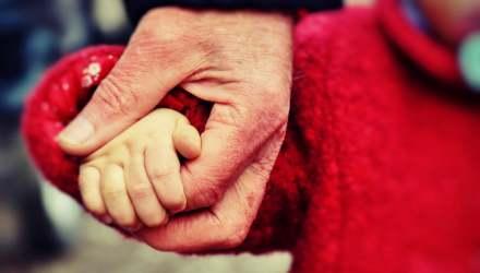 babakéz kézenfogás